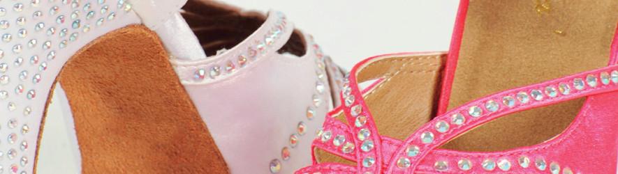 Scarpe da ballo per donna. Calzature tecniche per ballo.